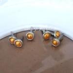 Брадс жемчуг Янтарный в металлической оправе, длина 13 мм., шляпка 8 мм, 6 шт., DA000565