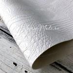 Кожзаменитель текстурный Рептилия, цвет Белый, отрез размером 25х70 см(+/- 1см), тонкий 0,6 мм, на тканевой основе