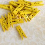 Прищепочки Mini деревянные, жёлтые, 25х0,8 мм., цена за 1 шт., DE000052