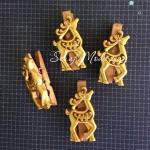 Прищепка декоративная золотая с Оленем, деревянная, 50 мм., цена за 1 шт., DE000146