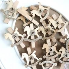 Прищепка декоративная Лошадка с глиттером, деревянная, 50 мм., цена за 1 шт., DE000151