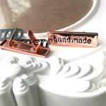 """Лейбл """"hand made"""", цвет:розовое золото, размер пластинки 34х10 мм, толщина 1 мм. IN000778"""