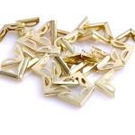 Металлический Уголок для альбома резной, цвет: золото, Размер внешних сторон уголка 16х16мм., глубина-толщина зажима 2,5 мм., цена за 1 шт. IN000890