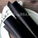Переплетный кожзам глянец чёрный, отрез размером 33х70 см(+/- 1см), тонкий, KZ000251