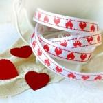 Лента Атласная 414, принт, белая с красными сердечками, 12 мм, цена за 1 метр