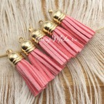 Подвеска Кисточка замшевая, цвет:Персико-розовая, основа золото, размер 38х11мм., цена за 1 шт., LI000090