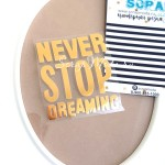 Надпись из термотрансфера NEVER STOP DREAMING, пленка зеркальное золото, размер общий 6х5,5см., TN000365