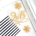 Надпись из термотрансфера 2019 + 2 снежинки, пленка глиттер золото, размер 5,5х5,5 см., снежики 1,5 и 2,5 см.  TN000225