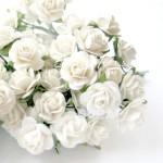 Розочки на проволоке белые, 15 мм, цена за 5 шт., UC000183
