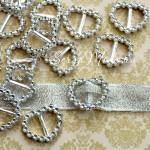 Пряжка для лент Сердечко 1842, серебро, пластик,  24х20 мм., цена 1 шт.
