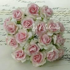 Роза кудрявая белая с нежно-розовой серединкой,  30 мм, цена за 1 шт., UC002501