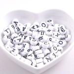 Бусины Алфавит, с Русскими Буквами, белые, буквы нанесение черным цветом, 7 мм., UC002610