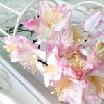 Лилия белая с розовым краем, с тычинками на проволоке, 50 мм, цена за 1 шт., UC002867