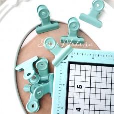 Зажим мятный, металлический, размер зажима 3,2 см, цена за 1 шт. UC002924