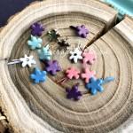 Набор брадс Цветочки Mix, размер 6 мм., длина ножки 8 мм., 15 шт, UC003096