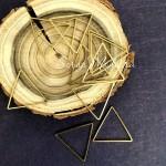 Подвеска без крепления Металлический Треугольник, цвет золото, размер  24х25 мм, цена за 1 шт., UP000674